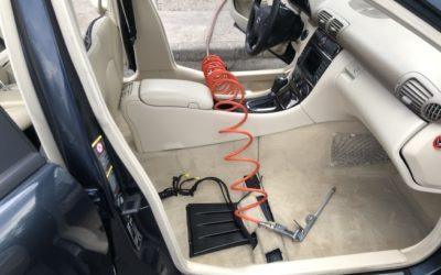 Elhasználódik-e az autókárpit a gyakori tisztításkor?